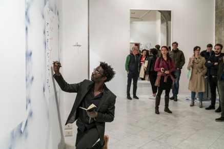 Moussa Sarr Performance, Narcisse stranger everywhere, Villa Romana, Florence (It), 2018