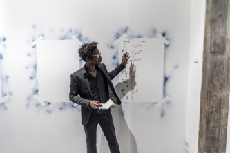13_Moussa Sarr_Narcisse stranger everywhere_2018_performance